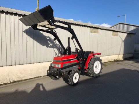 Yanmar F20D with front loader