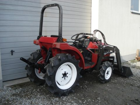 Mitsubishi tractor with new front loader
