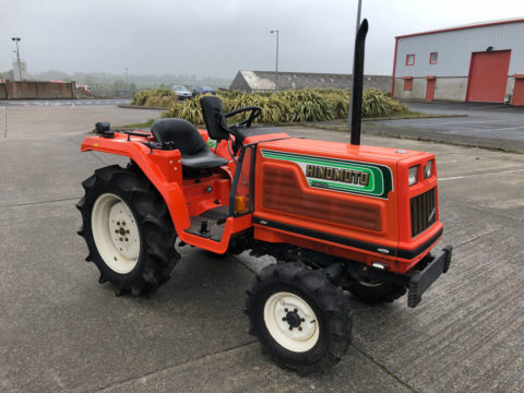 Compact tractor Hinomoto