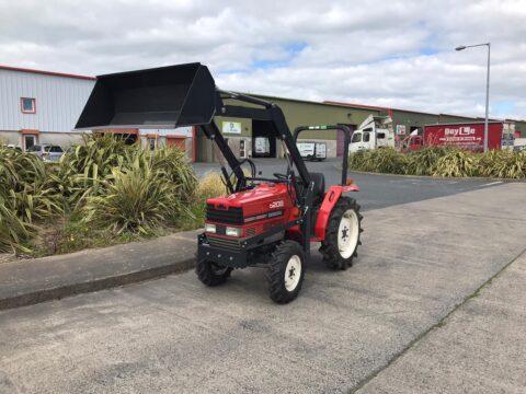 Shibaura D208 compact tractor